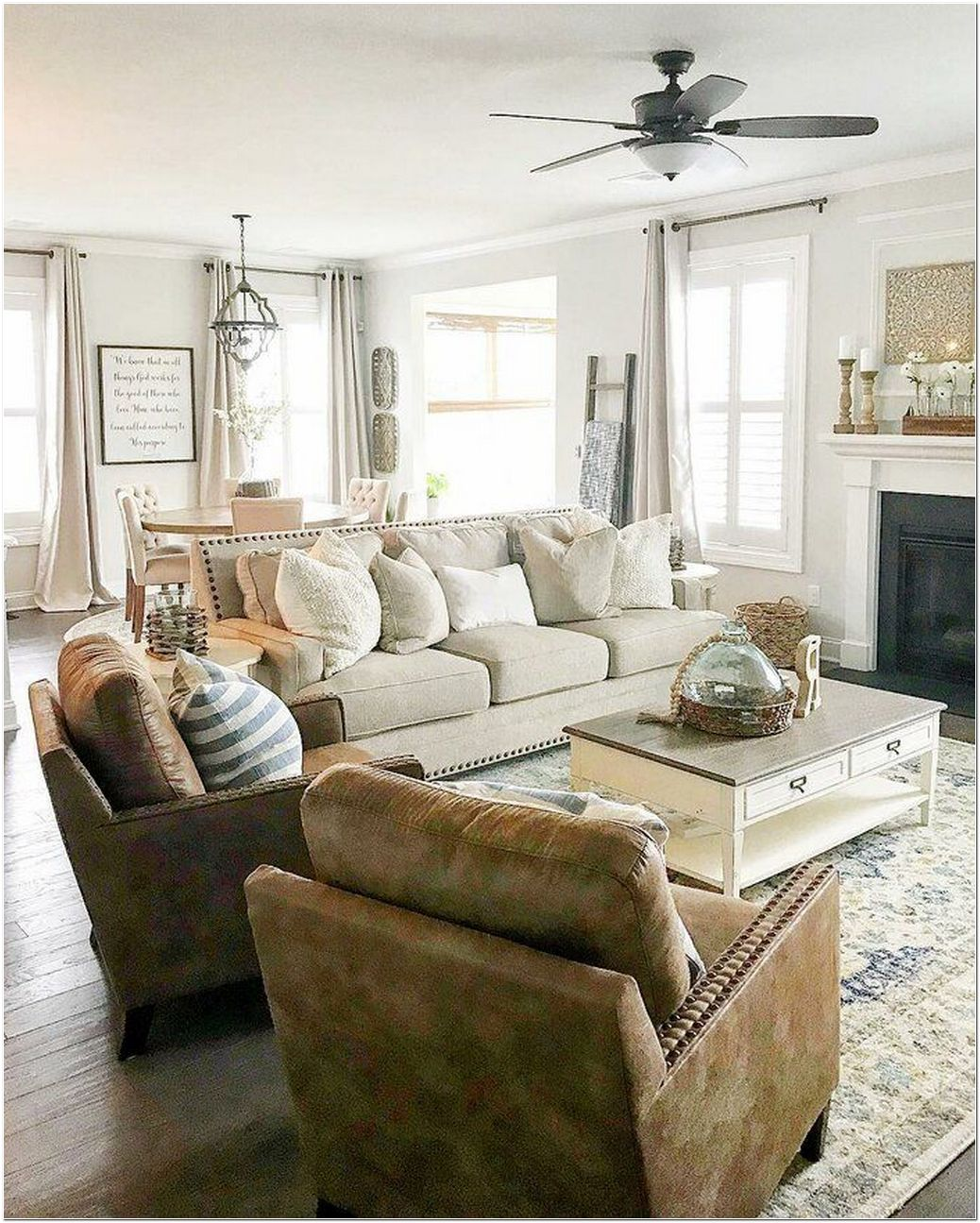 94 Key Features of Luxury Living Room Interior