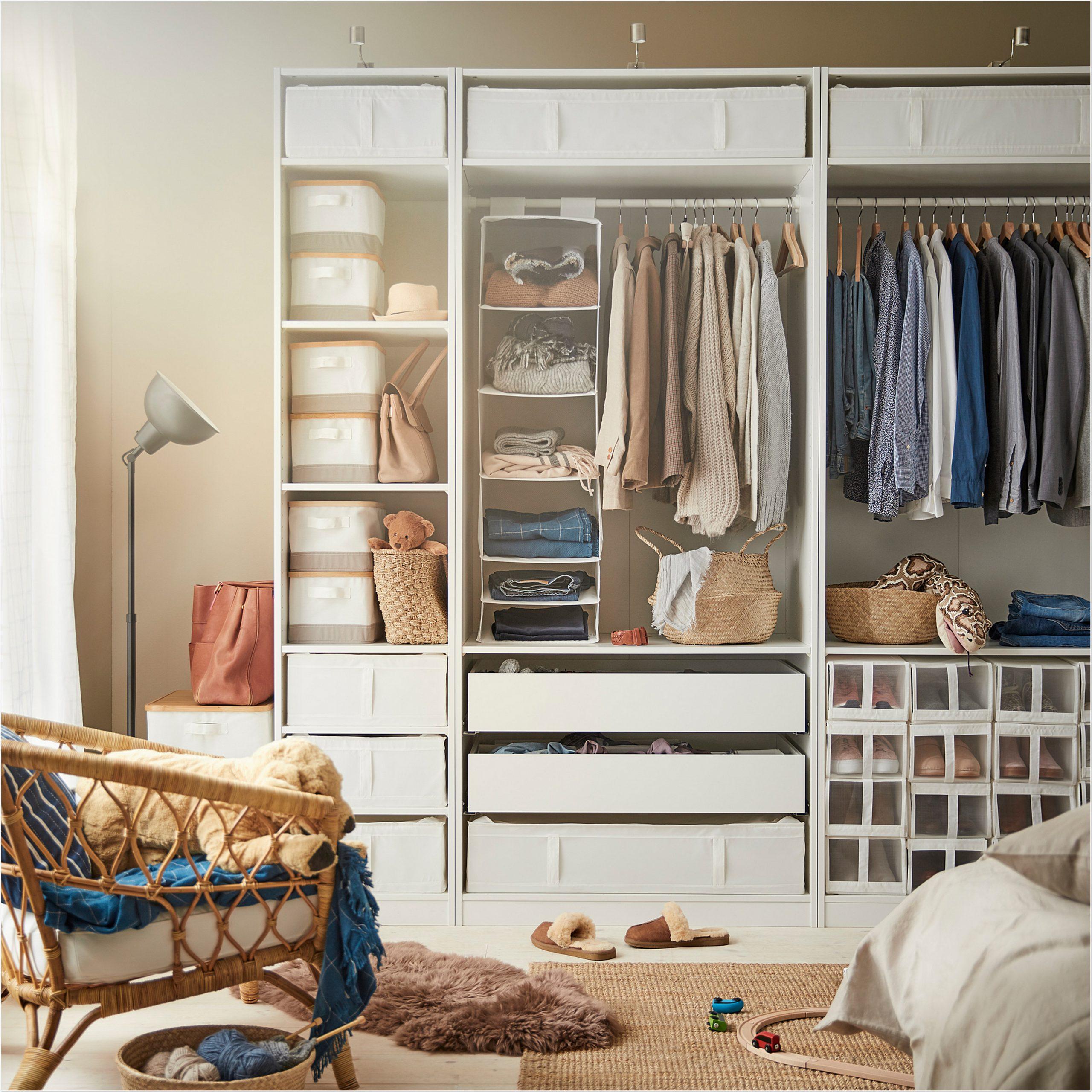 Small Clothes Closet Organization